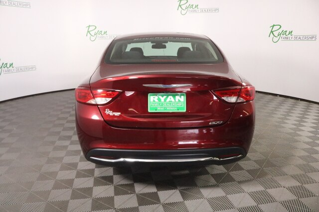 Pre-Owned 2016 Chrysler 200 Limited